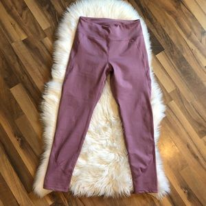 Cute pink mauve workout leggings, never worn.